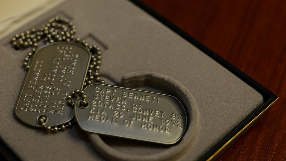 Customized Dog Tags Memorial Day Gifts PortraitFlip